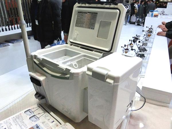 クールラインαSU1000X SURF装着したCPサイドボックスハードです。