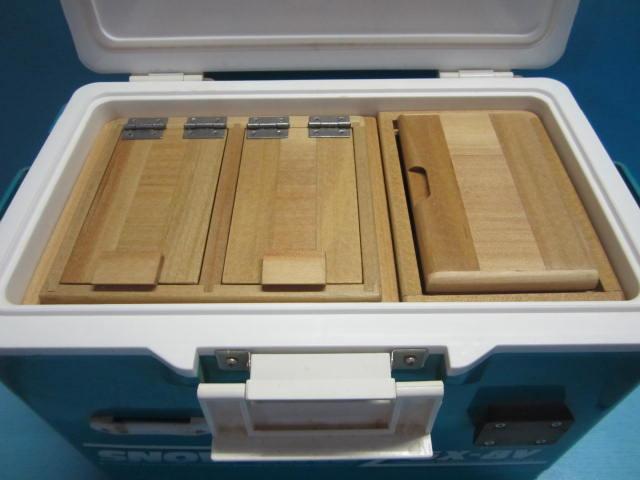 保存エサ箱の厚みを従来の45mmから55mmに1センチ深くしたエサ箱セットです。